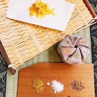 心を豊かにする天然のお香の世界 ~菊とサンダルウッドで秋の文香~