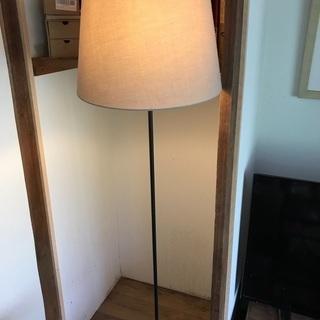 IKEAフロアランプ