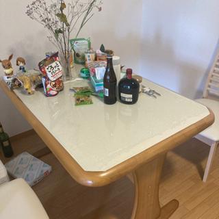 ダイニング テーブル と椅子2個