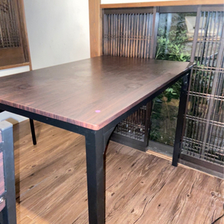 テーブル2つ ¥0