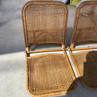 座椅子4つ