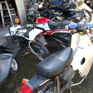 自動車…バイクや関連パーツなどエンジンが付いた物なんでもく…
