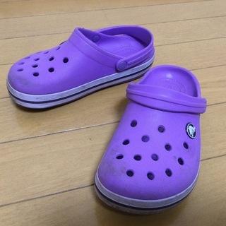 crocsのICONIC COMFORT (C13/19cm)