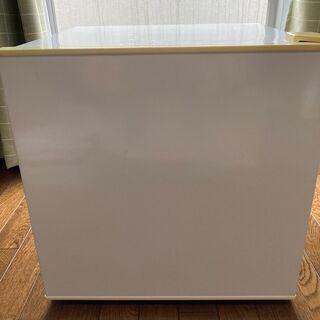 冷蔵庫(故障のため冷却はできない)を無料で差し上げます。