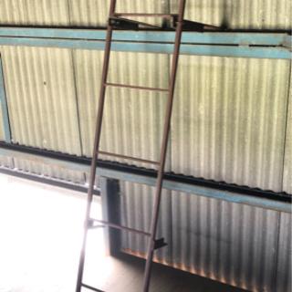 【使用自在❗️】スチールタラップ 鉄製はしご