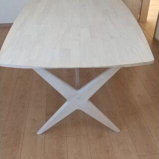 ニトリ製   ダイニングテーブル