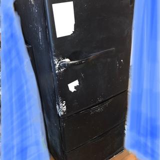 SANYO 冷蔵庫 0円 黒くリメイクした冷蔵庫