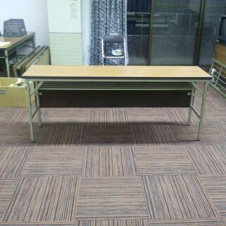 【ネット決済】会議用 または 多目的用の折りたたみ式の机