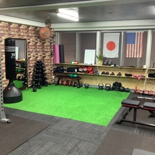 Switch On Fitness 英語でパーソナルトレーニング...