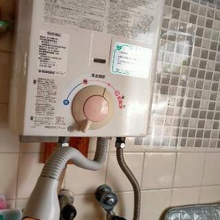 【値下げ】【11/3or4引取優先】ノーリツ 台所用 小型湯沸器...