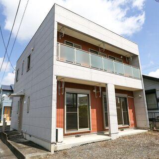■小山市 犬塚7丁目 ■中古戸建 ■二世帯住居可能。二階にキッチ...