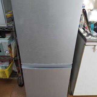 【ネット決済】【値下げ】シャープ 冷蔵庫 小型 2ドア  137...