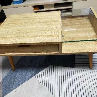 木目調とガラスのローテーブル