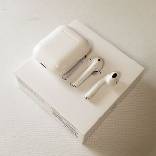 Apple Airpods with Charging Case 美品