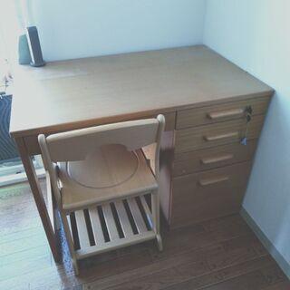 ニトリのシステムベッドの机