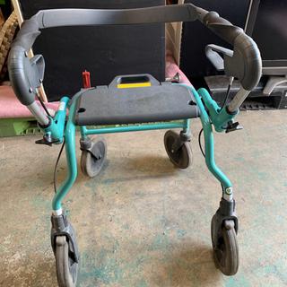 ヘルスケア 四輪歩行器