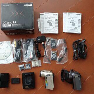 デジタルカメラ Xacti DMX-HD1010とDMX-HD-...