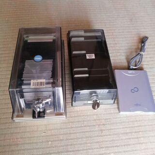 フロッピーディスクとUSBアダプター(写真追加再投稿)