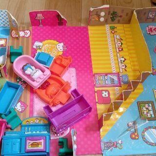 キティちゃん シルバニアファミリー ドールハウス 人形遊び