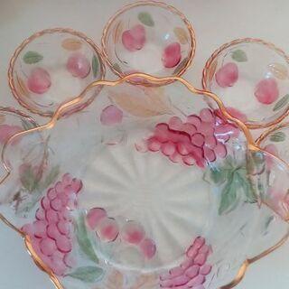 中古品 果物柄のガラス鉢セット