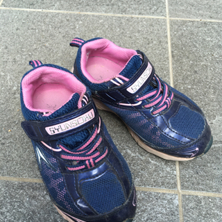 運動靴 18cm