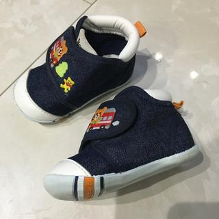 ホットビスケッツ 靴