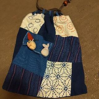 懐かしいデザインの巾着袋