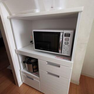 ニトリのキッチンボード 白