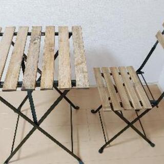 テーブルと椅子をお譲りします。
