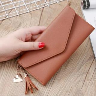 ブラウン シンプルな長財布