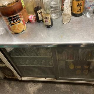 壊れた冷蔵庫2台あげます。