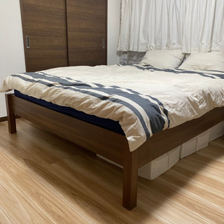 IKEAクイーンサイズベッド