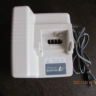 Panasonicバッテリー充電器 NKJ033