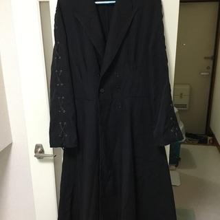 黒のロングコート、ハロウィンにどうぞ