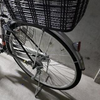 自転車27インチ 美品 後ろカゴ付きの画像