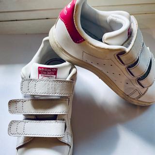 子供靴16センチ adidas スタンスミス