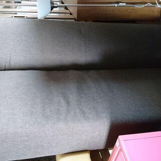 倶知安町 素敵な3人用ソファ。 茶色
