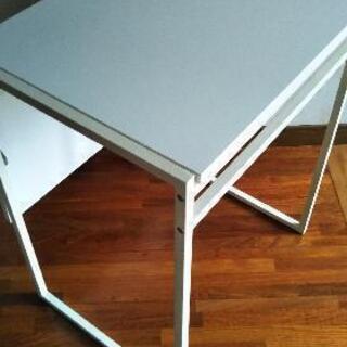 イケア製広がるテーブル