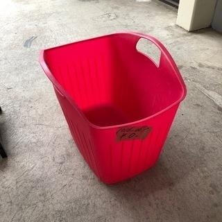 1016-067 ランドリーバスケット ピンク色
