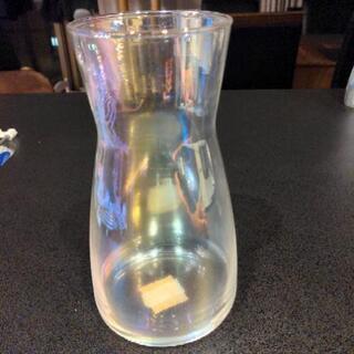 3コインズで700円の人気のオーロラベース(花瓶)