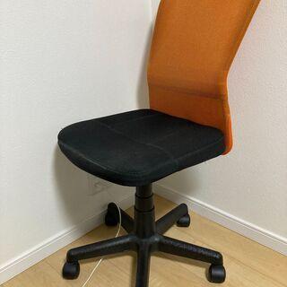 椅子 オフィスチェアー 比較的新しいです イス
