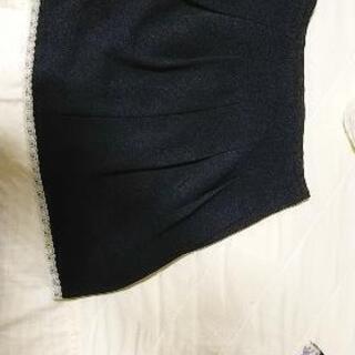 美品 ブラックレーススカート