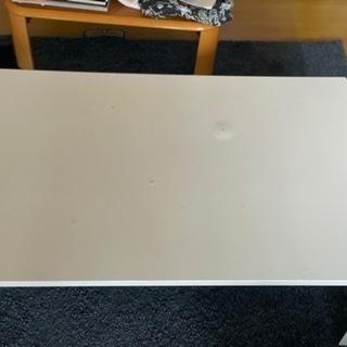 ニトリで買った白い折り畳み机60✖️90無料