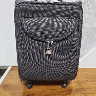 スーツケース機内持ち込みサイズ