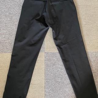 UNIQLO メンズ パンツ 黒 Sサイズ (ストレッチ性あり、...
