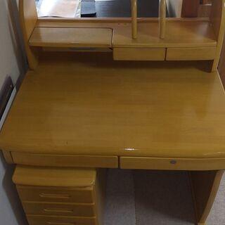 学習机と脇棚のセットです