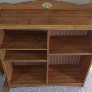 木製の本棚
