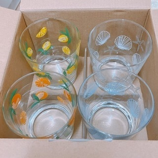 グラス 4つセット