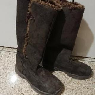 茶色 ブーツ