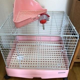 小動物のケージ(水飲み・トイレ付き)